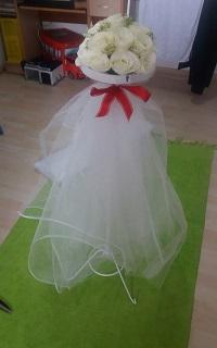 aranjament flori artificiale stalpisori porumbei nunta