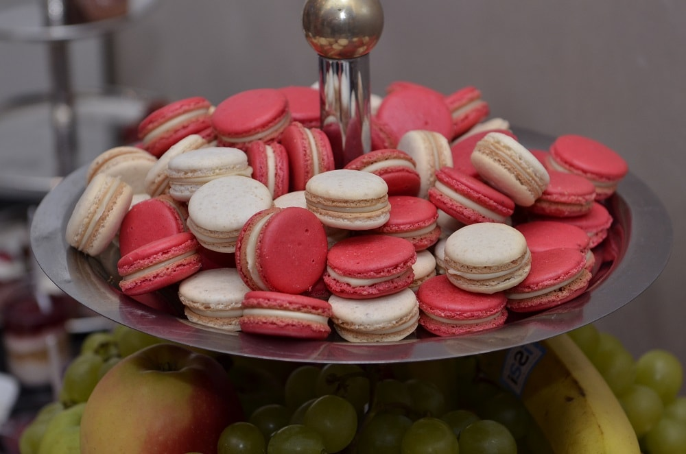 candy bar macarons
